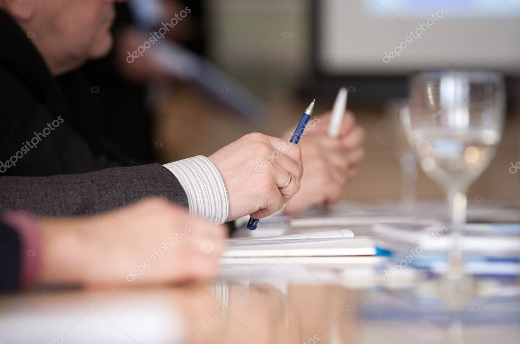 Male hands ready to make notes on a seminar — Stock Photo #8535844