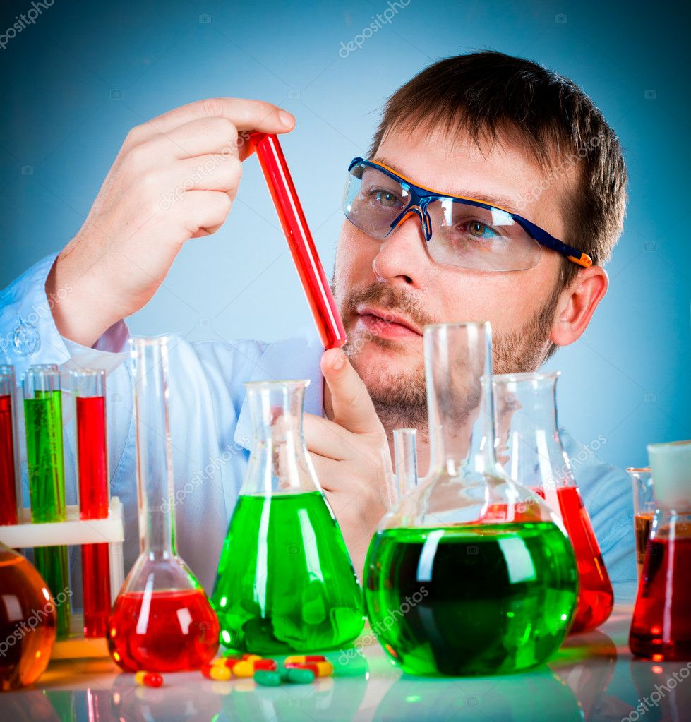 Young scientist in the lab — Stok fotoğraf #9015326