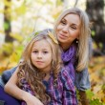 Happy mum and the daughter — Stock Photo