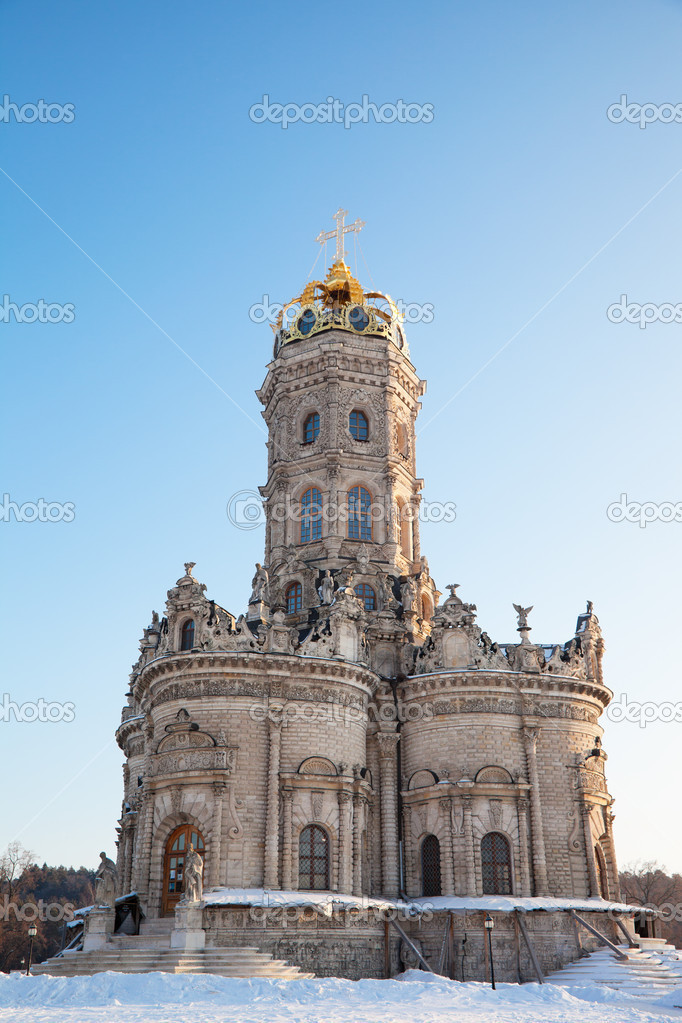 Church of the Sign of the Sacred Virgin in settlement Dubrovitsy — Stock Photo #9763372