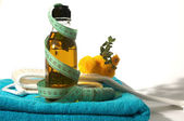 Oil and towel — Stock Photo