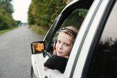 Fille en voiture — Photo