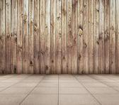 Altes Zimmer mit Fliesenboden — Stockfoto