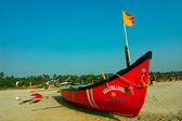 Boat on the Mandrem beach in Goa — Stock Photo