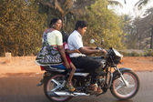 India, Family on the motorcycle — Stockfoto
