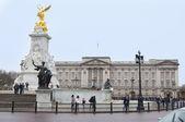 Drottning victoria memorial buckingham palace — Stockfoto