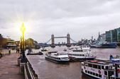 La tamise avec le pont de londres, tower bridge — Photo