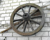 Old wooden wheel — Stok fotoğraf