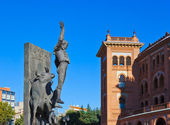Toreador statue and bullfighting arena - Madrid Spain — Stock Photo