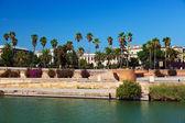 Palác v seville ve španělsku — Stock fotografie