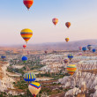 Hot air balloon flying over Cappadocia Turkey — Стоковая фотография