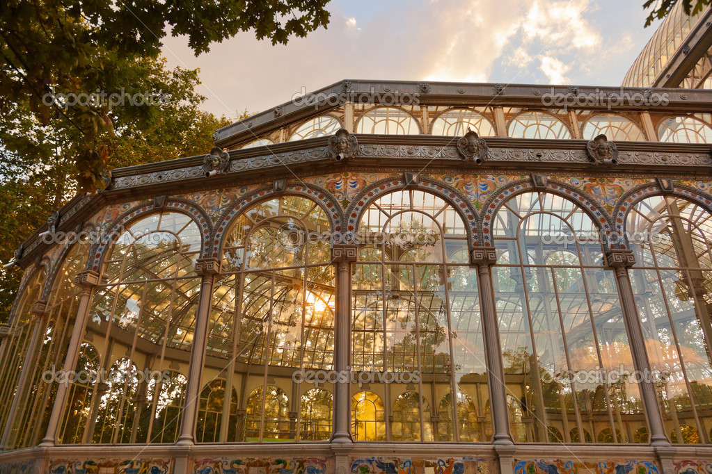 Crystal Palace at Retiro park - Madrid Spain — Stock Photo #10723238