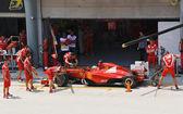 SEPANG, MALAYSIA - APRIL 8: Fernando Alonso (team Scuderia Ferra — Stock Photo