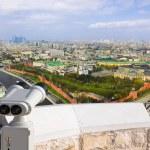 Binoculars and Moscow Kremlin — Stock Photo