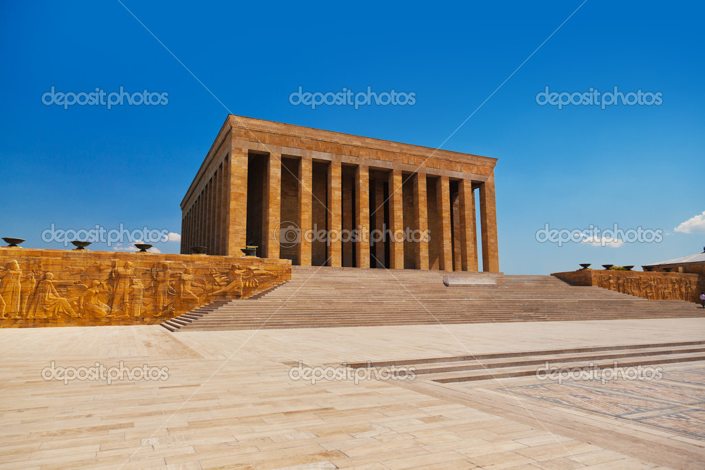 Mustafa Kemal Ataturk mausoleum at Ankara Turkey — Stock Photo #8631344