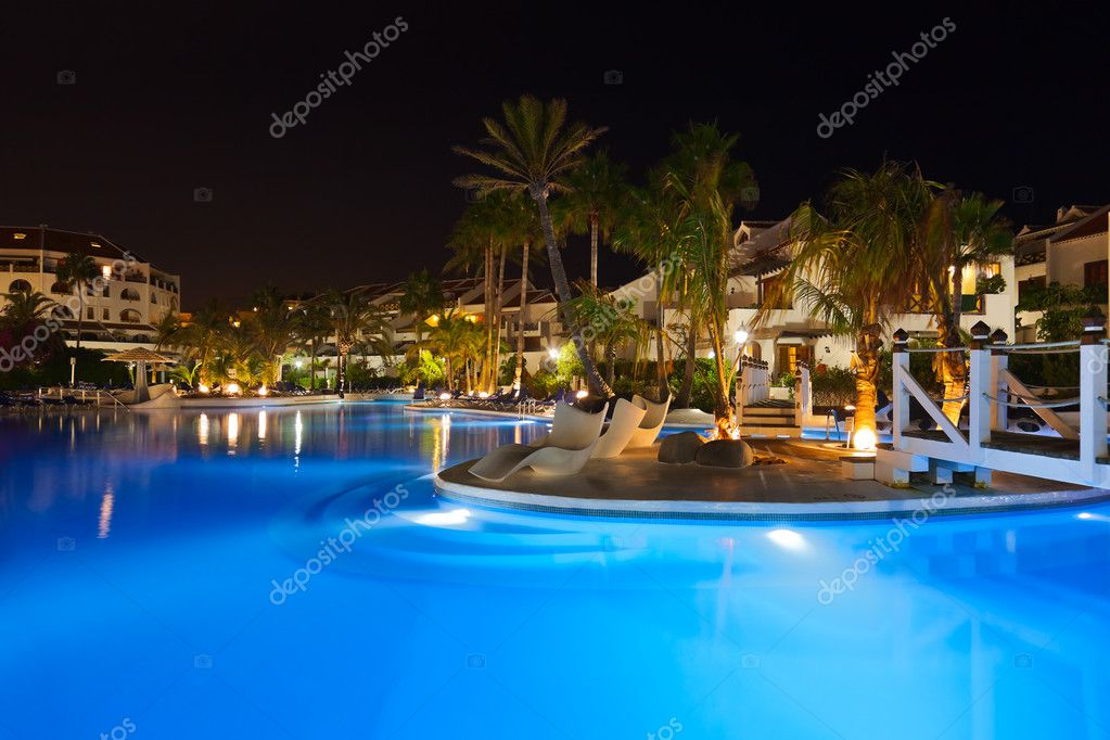Water pool at night - vacation background — Stock Photo #8876889