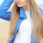 mooie jonge vrouw — Stockfoto #10346600