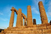 Colonnade of Hera (Juno) temple in Agrigento, Sicily, Italy — Stock Photo