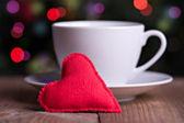 Ręcznie włókienniczych czerwone serce — Zdjęcie stockowe