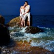 Foto Stock: Romantic couple at beach
