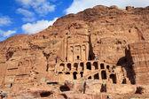 Tumba de la urna en petra, jordania — Foto de Stock
