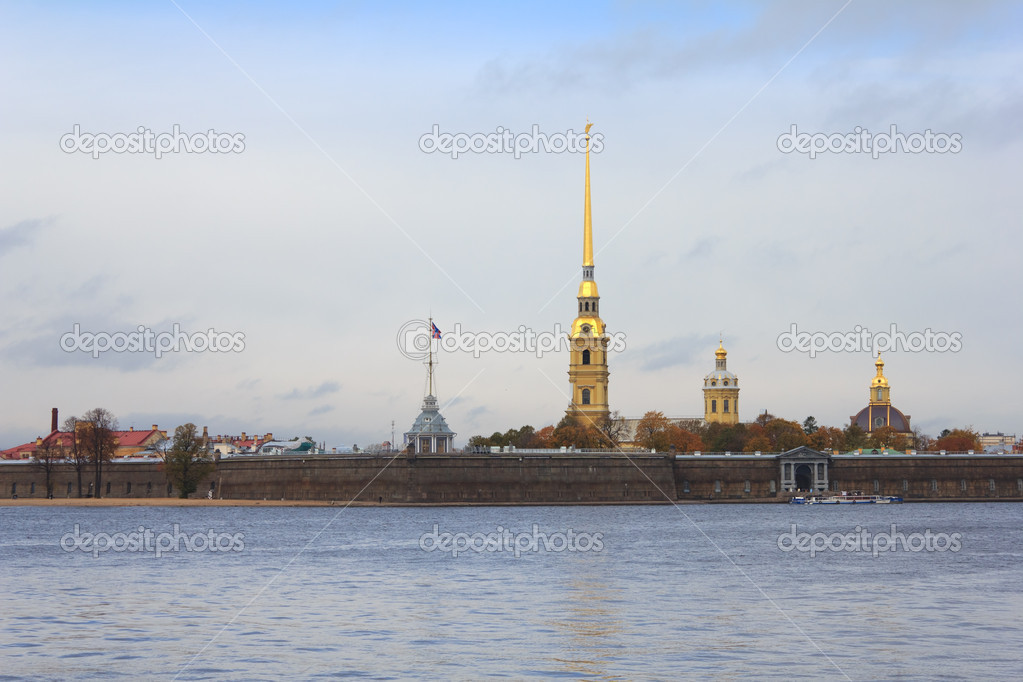 Peter and Paul Fortress in St. Petersburg, Russia — Stock Photo #8106853