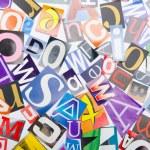 Вырезать буквы из газет и журналов — Стоковое фото