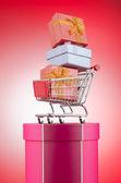 Weihnachts-shopping-konzept mit warenkorb — Stockfoto