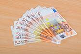 Billets en euros, disposés en série — Photo