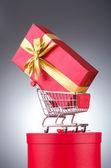Christmas shopping concept avec panier d'achat — Photo