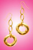 美容ファッション概念のイヤリング — ストック写真