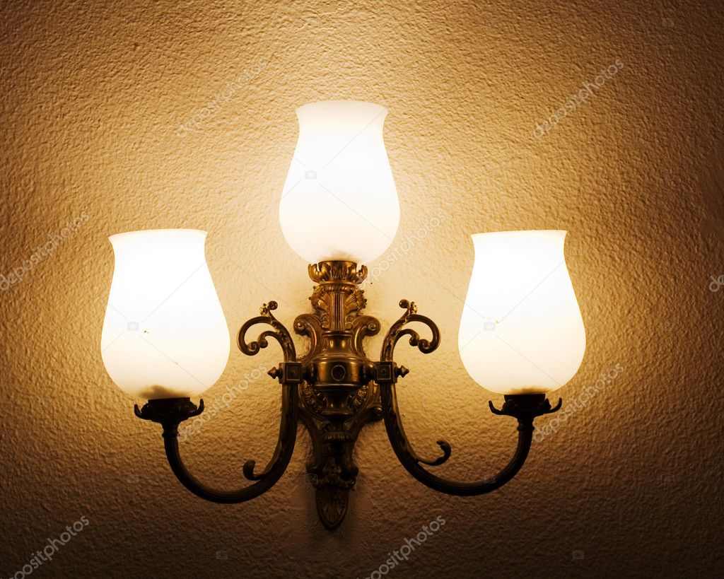 The lamp on the wall — Stock Photo #9565881