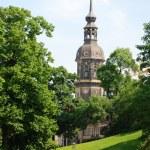 igreja velha com relógio em dresden, Alemanha — Foto Stock