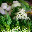 Different herbs at market stall - Foto Stock