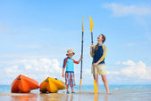 Mother and son after kayaking — Stock fotografie