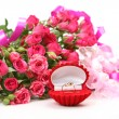 Pink roses and ring — Stock Photo #9922698