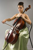 Woman playing cello — Stock Photo