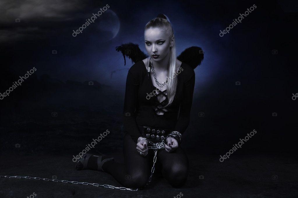 Девушка картинки в цепях