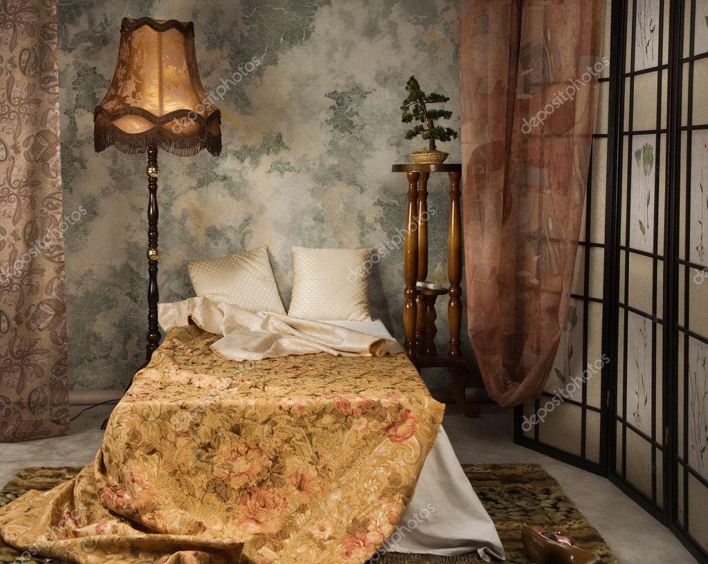 Slaapkamer in de vintage stijl — stockfoto © demian #10480991