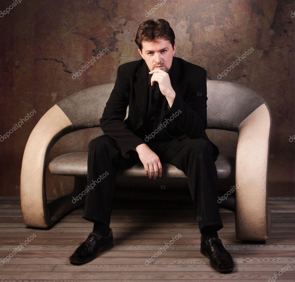 мужчина в костюме фото высокого разрешения