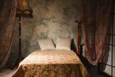 Interno camera da letto in stile vintage — Foto Stock