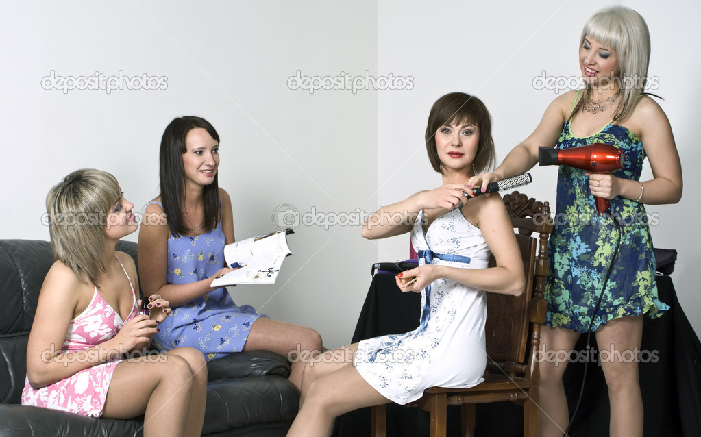 Four young girls gather at a party — Stock Photo #9044582