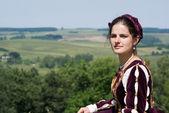 Rönesans elbiseli genç kadın — Stok fotoğraf