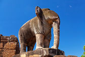 Elephant statue in Pre Rup temple — Stock Photo