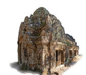 Ancient temple in Angkor complex — Stock Photo