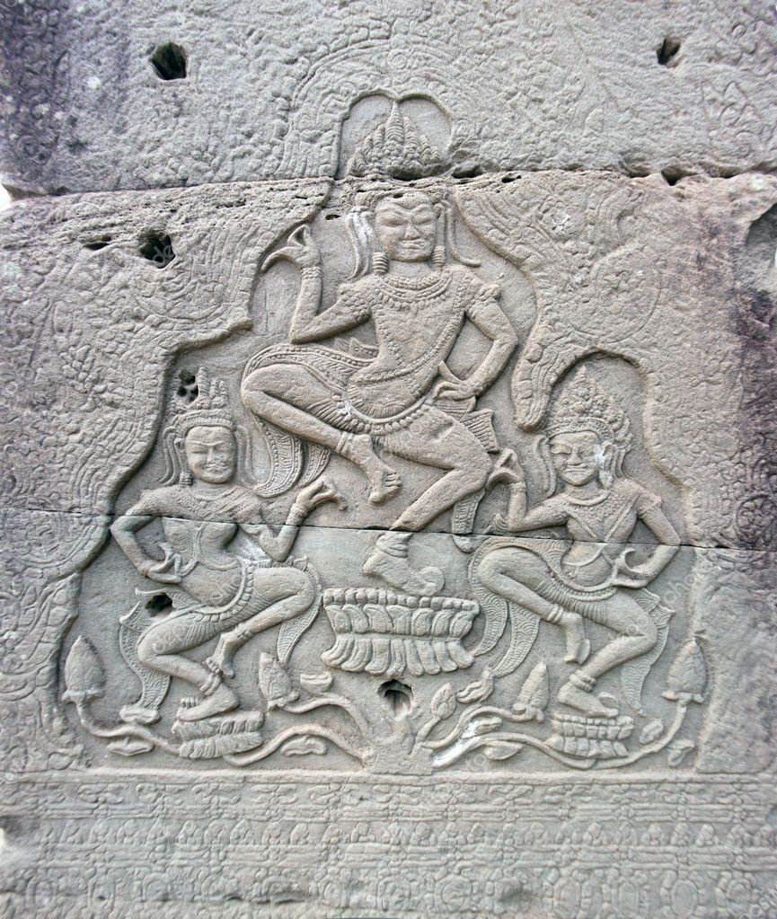 Dancing apsara on the wall in temple Prasat Bayon in Angkor complex, Siem Reap, Cambodia — Stock Photo #9089558
