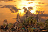 Angkor Wat temple on sunset — Stock fotografie