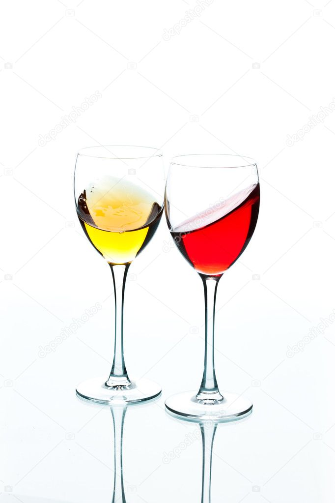 Food series: red and white wine in the goblet — Stock Photo #8349852