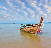 A native boat Longtail — Foto Stock