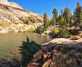 Picturesque mountain lake — Stock Photo